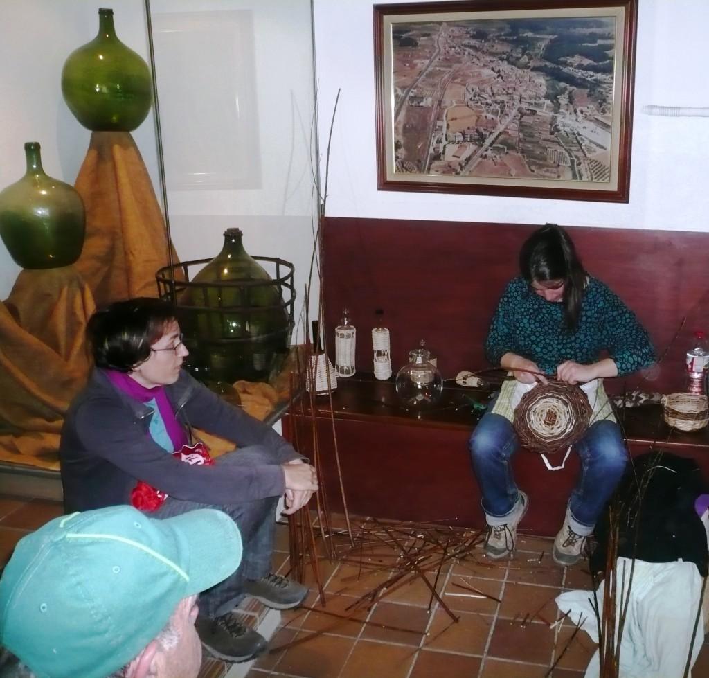 Activitat de la sarga al Museu del Vidre 2015 P1050846