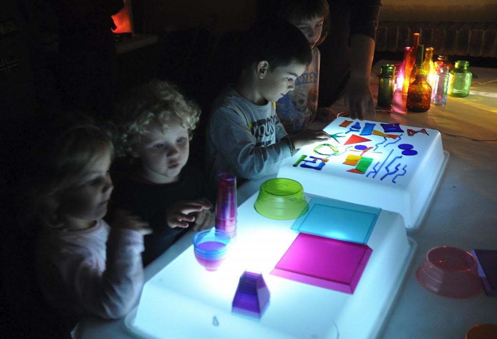 Laboratori de vidre i llum. foto JM Potau