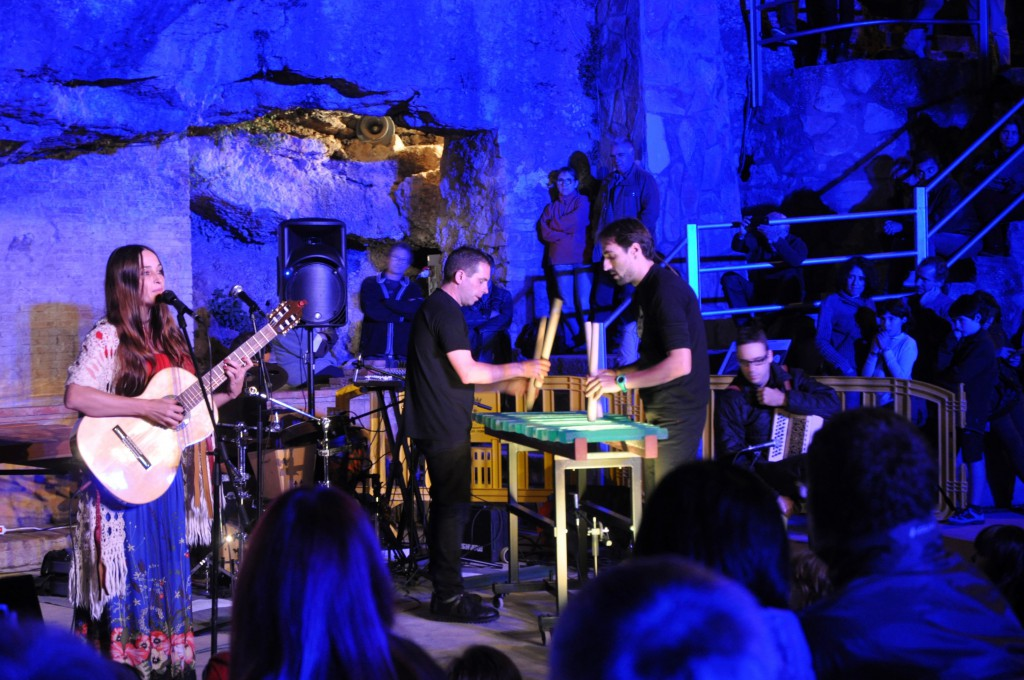 concert txalaparta de vidre i fusta. Foto JM Potau